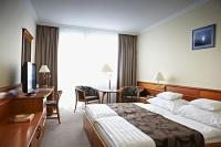 NaturMed Hotel Carbona - 4-star hotel in Heviz at discount prices for a wellness weekend